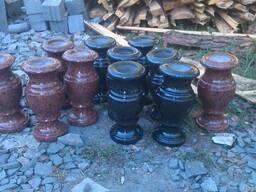 Гранитные вазы