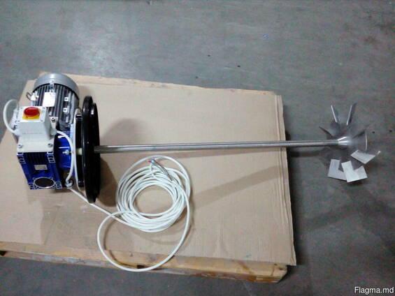Мешалка турбинная для пластиковой емкости 2000л