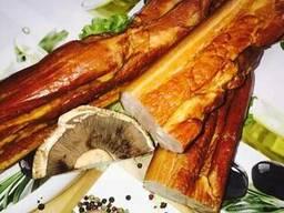Мясо копчёное, вареные полукопчёный колбасы